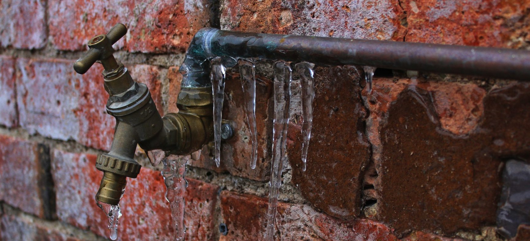 4 tips to keep your water pipes from freezing